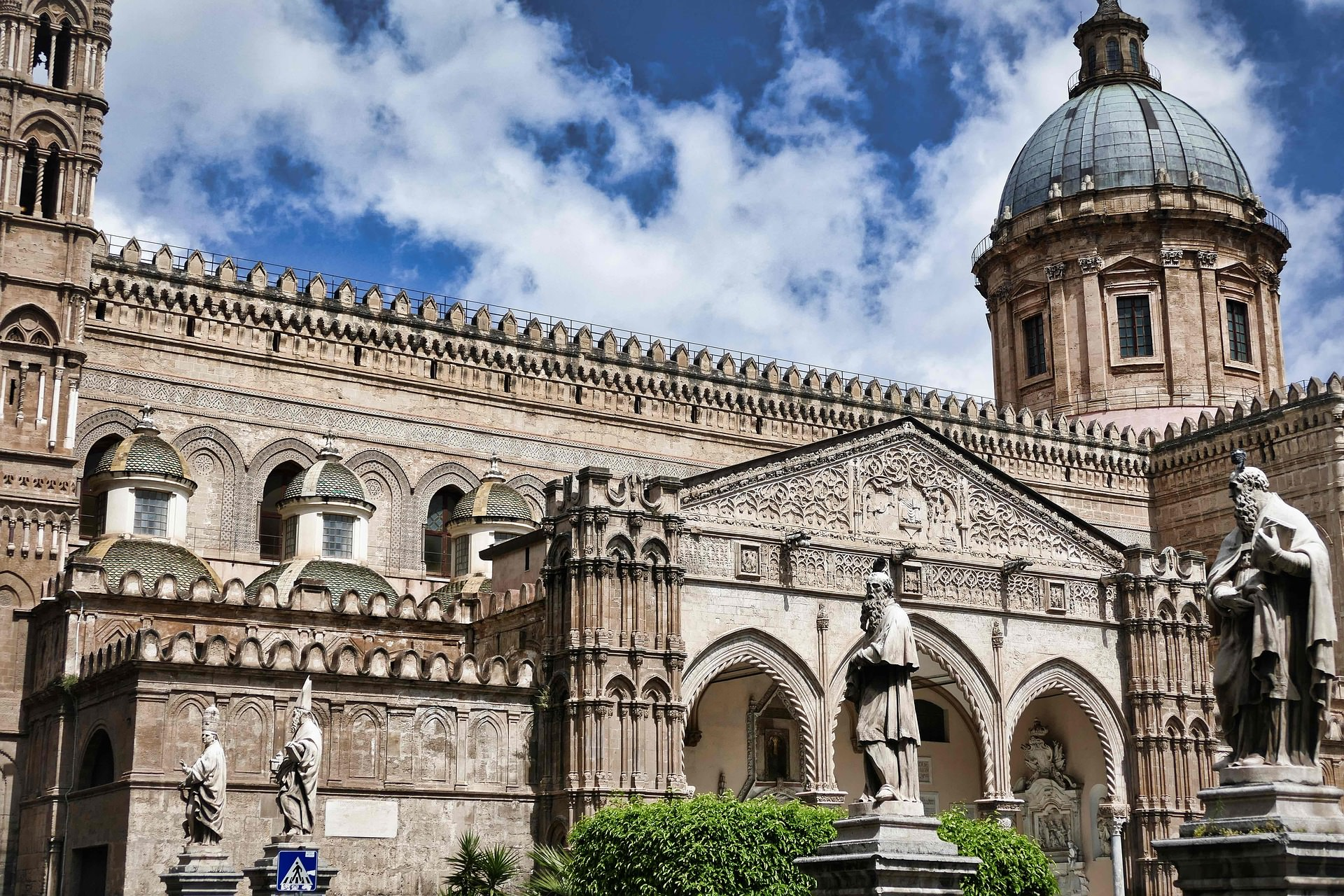 cathedral-4174508_1920.jpg Sicily